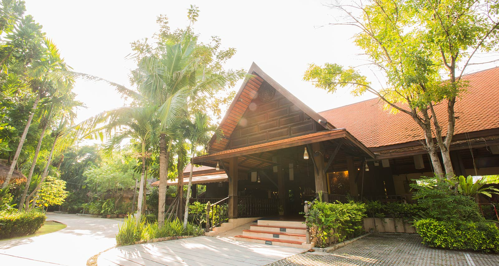 Reception Service Inrawadee Resort Pattaya