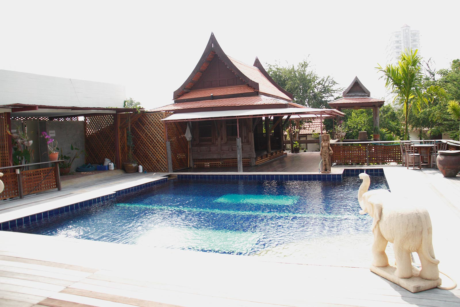Swimming pool Inrawadee Resort Pattaya